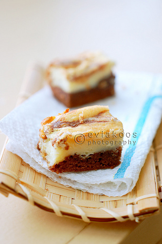 Marble cheese brownies