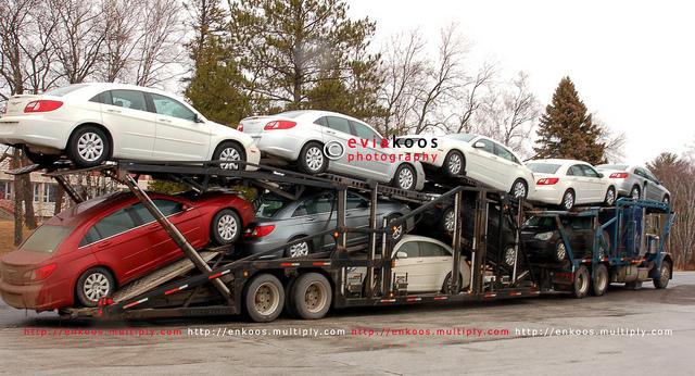 Mobil naik mobil
