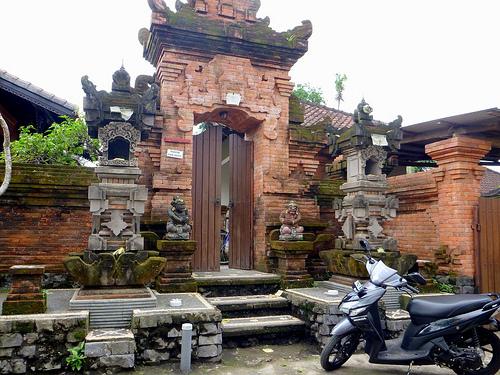 Angkul angkul di Ubud