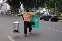 Penjual bakso pikulan