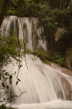 13. Air terjun Saluopa