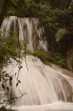 13. Air terjun Saluopa