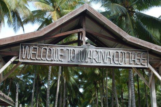 15. Gerbang Marina Cottage di kota Ampana.