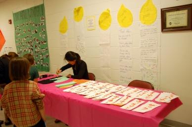 Lapak dari Jepang yang mengajarkan kaligrafi