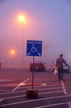 Kabut tebal di lapangan parkir