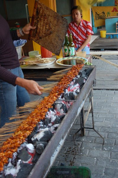 Sate ayam Ponorogo (di Surabaya).
